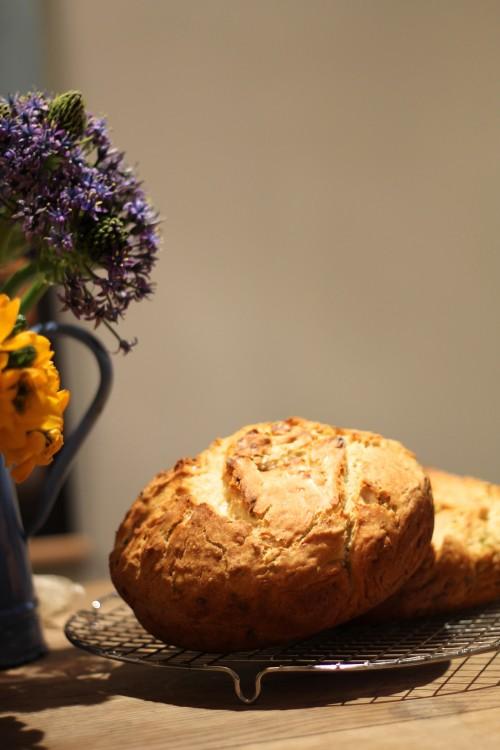 לחם קישואים ופרחים